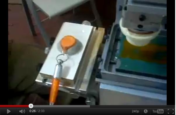 Video stampa tampografica su portachiavi