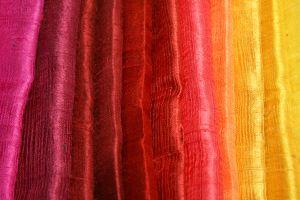 Stampare in serigrafia su foulard di seta