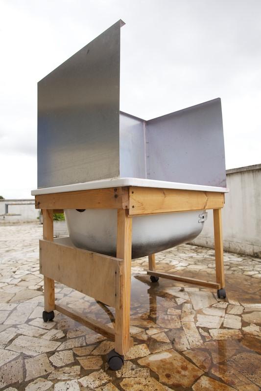 Vasca di lavaggio per telai serigrafici autocostruita. Un progetto di Fabio Meschini