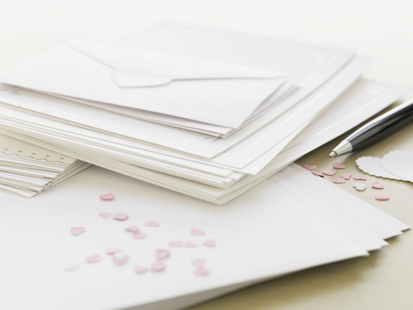 Stampare partecipazioni con finitura brillante in serigrafia
