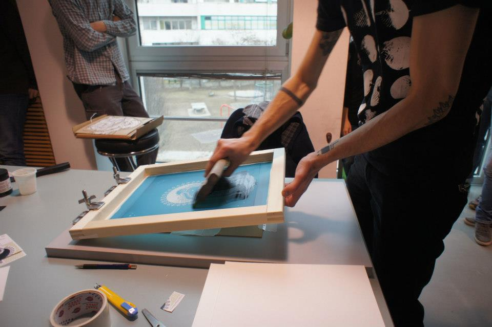 Screen Printing Lovers. Le foto dal workshop di serigrafia a Bolzano