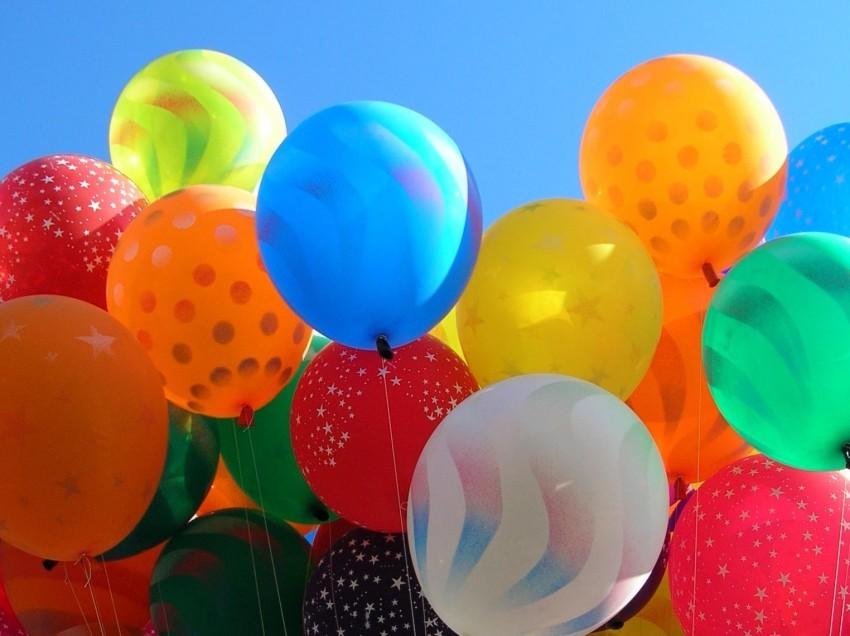 Serigrafare su palloncini in lattice. Inchiostro e telaio