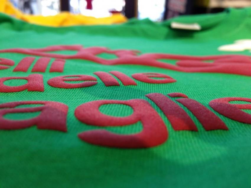 Come ottenere una stampa a rilievo su t-shirt con inchiostro Plastisol