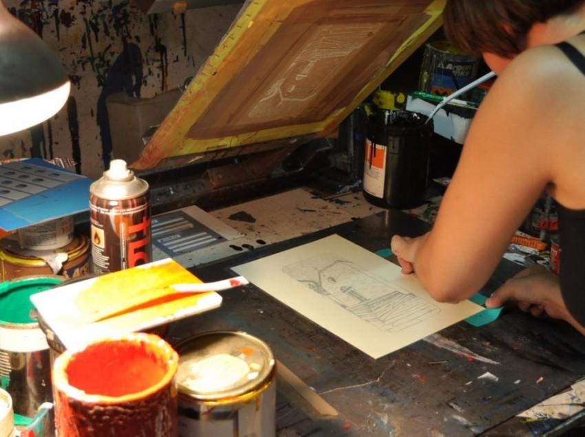 Fare serigrafia su carta con colori acrilici per pittura. E' possibile?