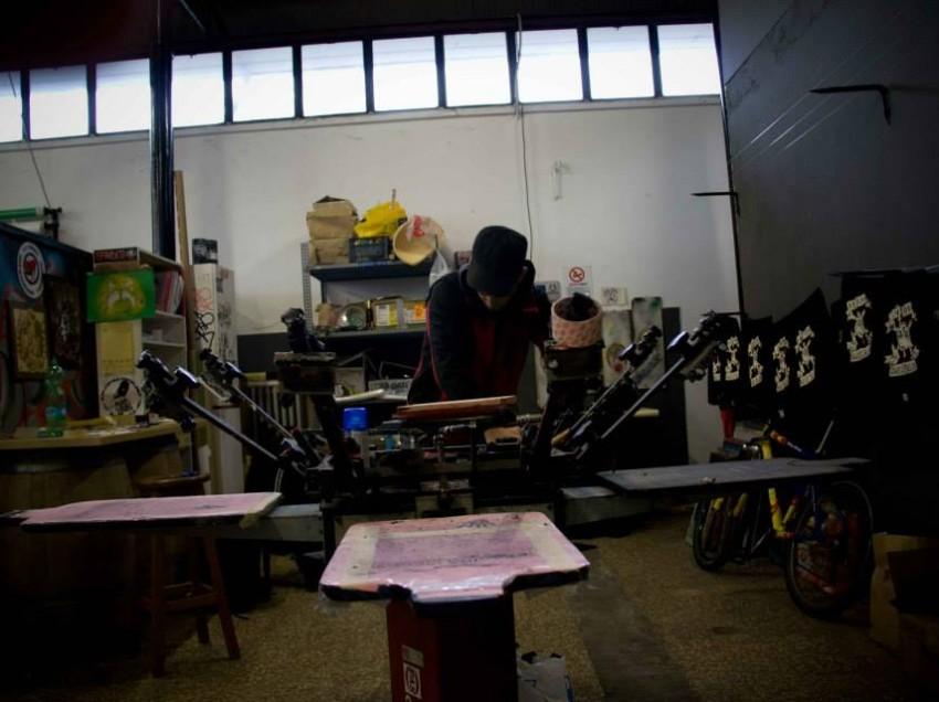 Il serigrafo cubano, Milano e gli Agnostic Front. Intervista a Inez e Norberto di A Mi Manera
