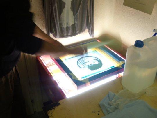 Calcolare il tempo d'esposizione del telaio serigrafico con gelatina senza diazo
