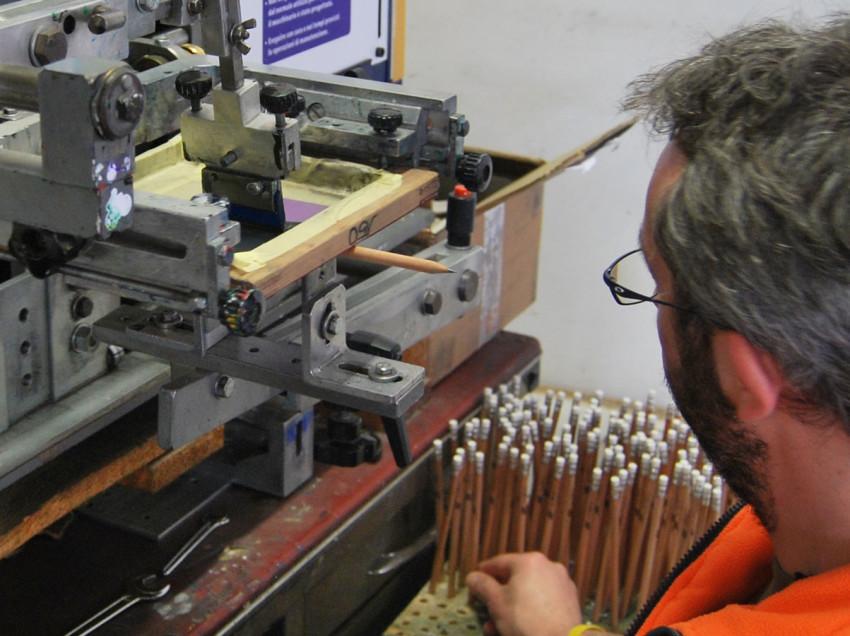 Come fare serigrafia su oggetti tondi, conici e cilindrici