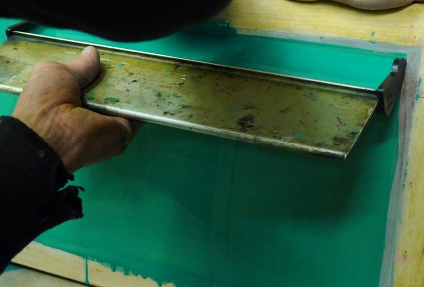 Come impressionare il telaio serigrafico con emulsione pronta all'uso
