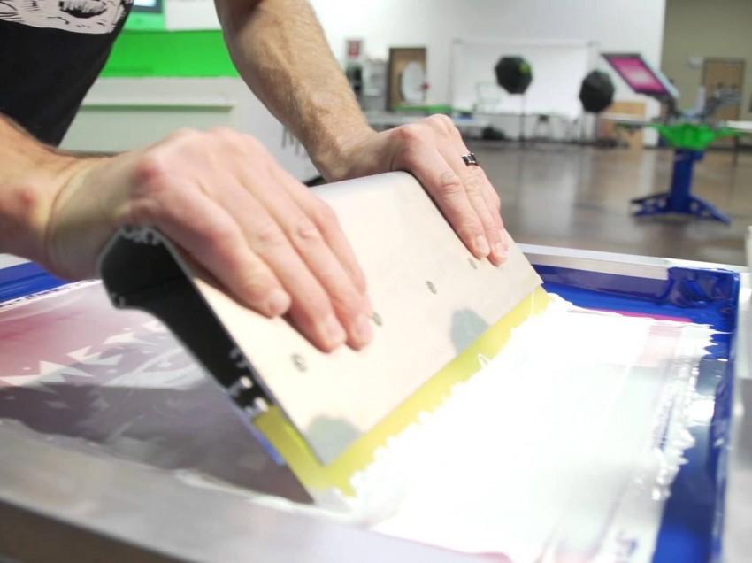 Problemi con gli inchiostri bianchi? Ecco come risolverli