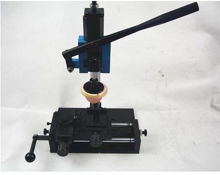 Le attrezzature per stampare quadranti di orologi in tampografia