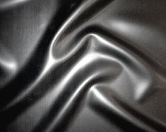 come fare serigrafia su abiti in latex