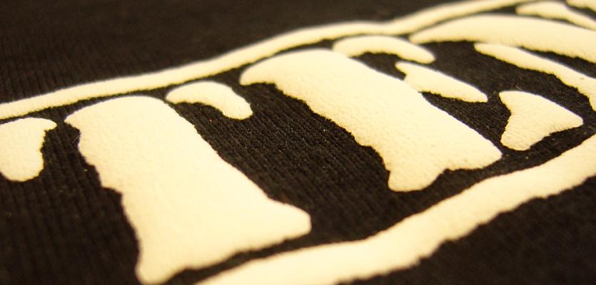 serigrafia in rilievo su magliette