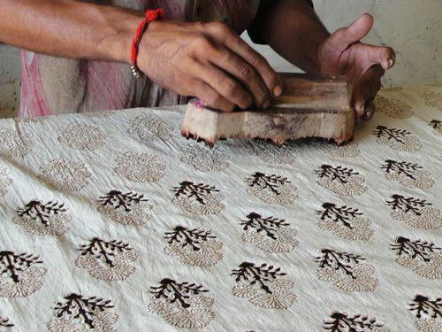 come stampare su stoffa con timbri in legno