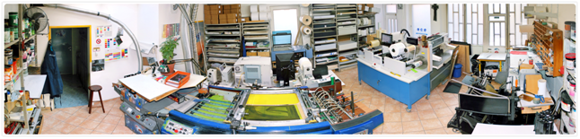 laboratorio di stampa serigrafica su etichette